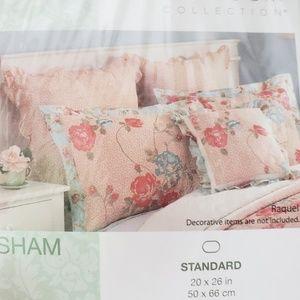 🆕2 Standard Pillow Shams Heirloom Collection Belk